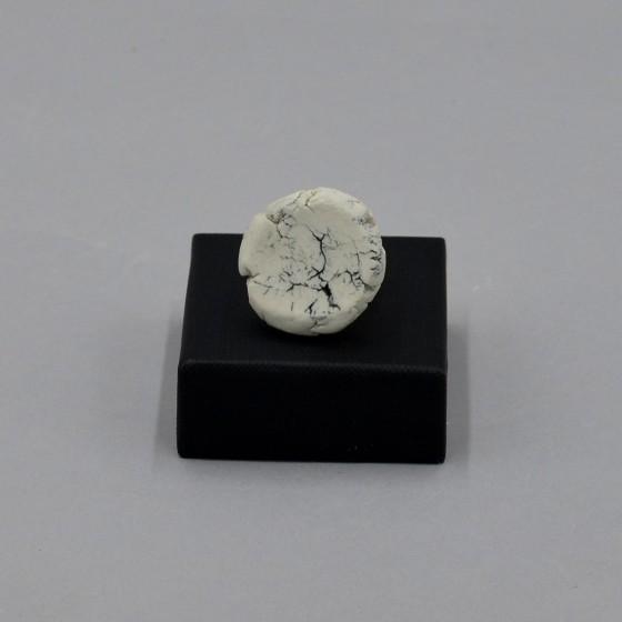 Adjustable porcelain ring
